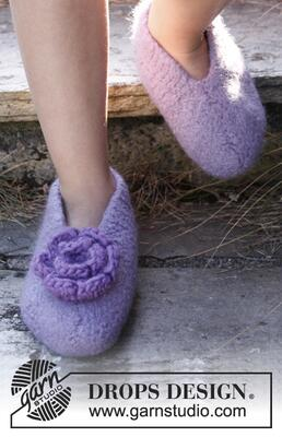 22-24 Fairy Slippers by DROPS Design