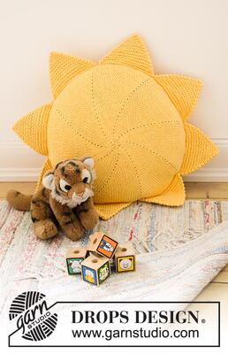35-3 Sunny Nap Pillow by DROPS Design