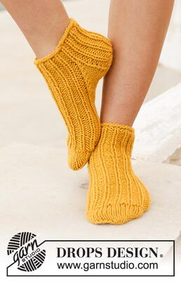 198-14 Sun Spun Socks by DROPS Design