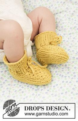 33-27 Stroll in the Park Booties by DROPS Design