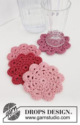 0-1498 Blushing Coasters by DROPS Design
