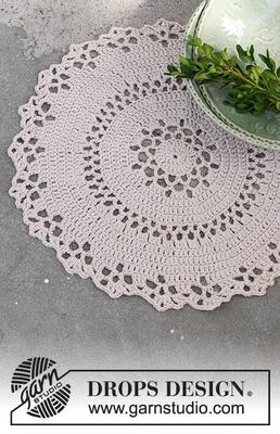 0-1507 Holly Doily by DROPS Design